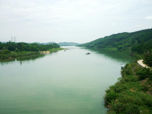 Nằm mơ thấy sông nước nên đánh con gì?
