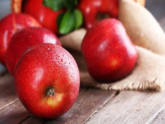 Mơ thấy quả táo đánh con gì?